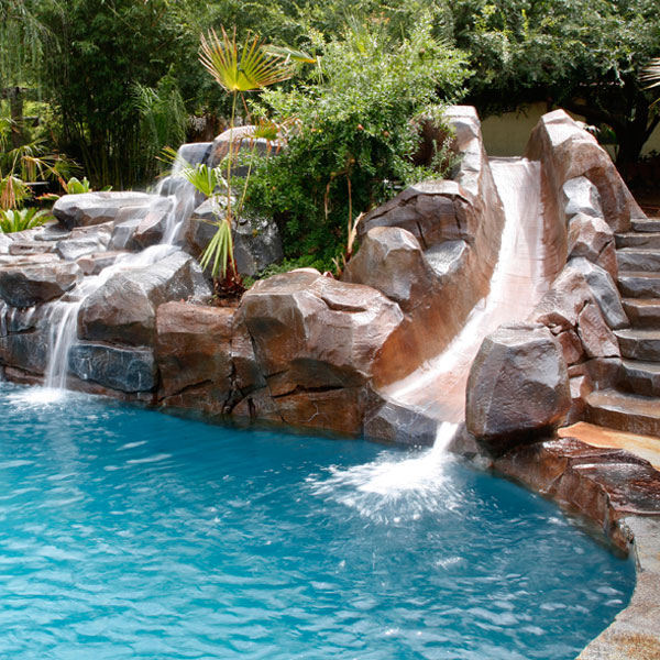 pool builder in San Diego